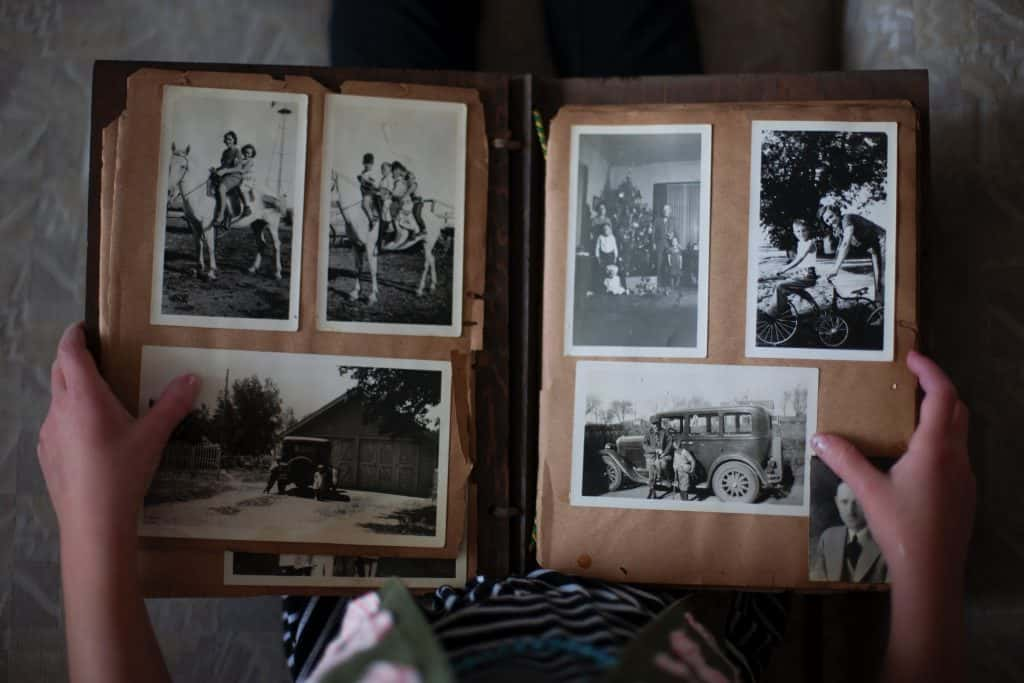A picture of a black and white photo album